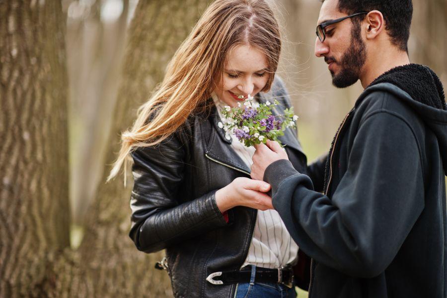 Jewish Couple Flowers